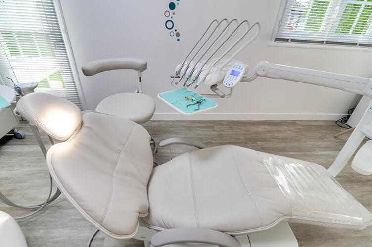 Salle de soins dentaires du cabinet dentaire Elias à Osny